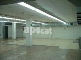 Local comercial, 330.00 m², cerca de bus y tren, industria