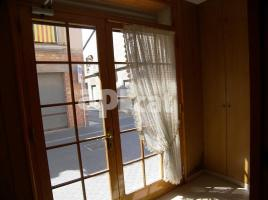 Houses (terraced house), 220.00 m², 5 bedrooms, near bus and train