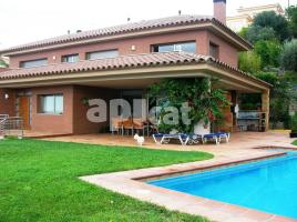 Houses (detached house), 320.00 m²