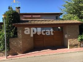 Houses (detached house), 503 m², near bus and train