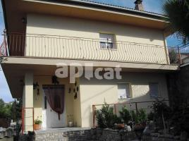 Houses (detached house), 400 m², near bus and train