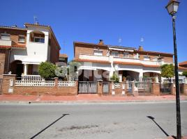 For rent Houses (detached house), 150 m², near bus and train
