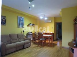 Houses (detached house), 305 m², almost new