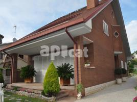 Houses (detached house), 440.00 m², near bus and train