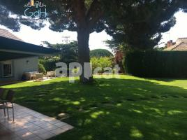Houses (detached house), 620 m², near bus and train