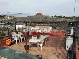 Houses (villa / tower), 63.00 m², near bus and train, almost new