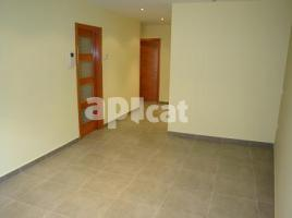 New home - Flat in, 80.00 m², near bus and train, La Font
