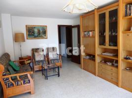 Flat, 88 m², near bus and train