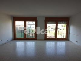 Flat, 60.00 m², near bus and train