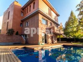 Houses (villa / tower), 500.00 m², almost new, Golf