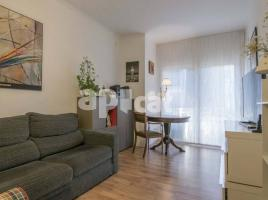 Flat, 75 m², near bus and train