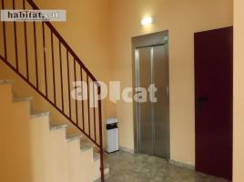 Flat, 111 m², near bus and train