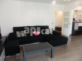 Flat, 120.00 m², close to bus and metro