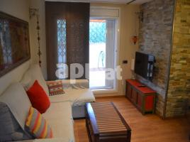 For rent flat, 63 m², near bus and train