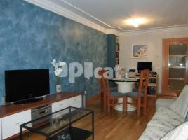 Flat, 98 m², near bus and train, almost new
